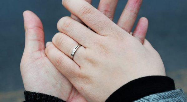 Алганы хээгээр хэнтэй гэрлэхээ мэдэж болно