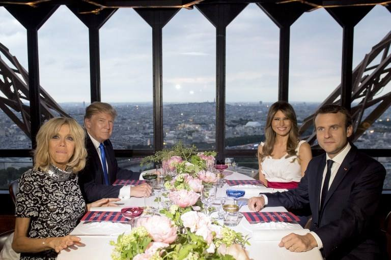 Трамп, Макрон нарын оройн зоогны тооцоо