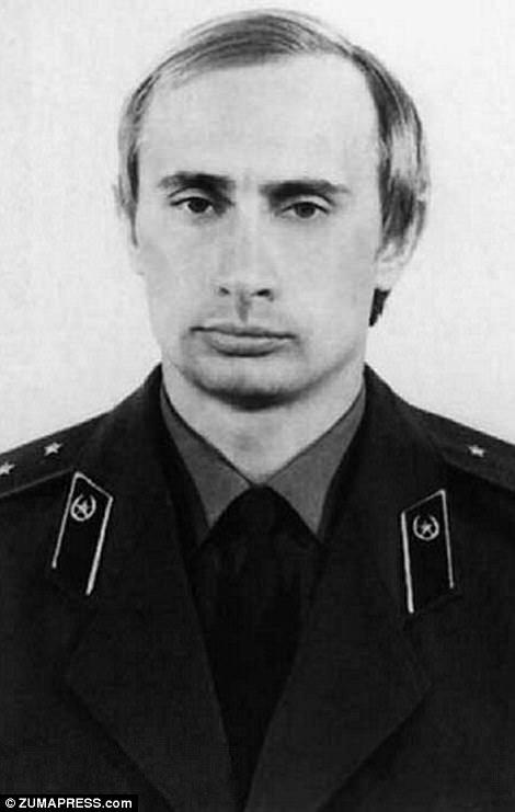 В.Путины амьдралыг харуулсан фото түүх