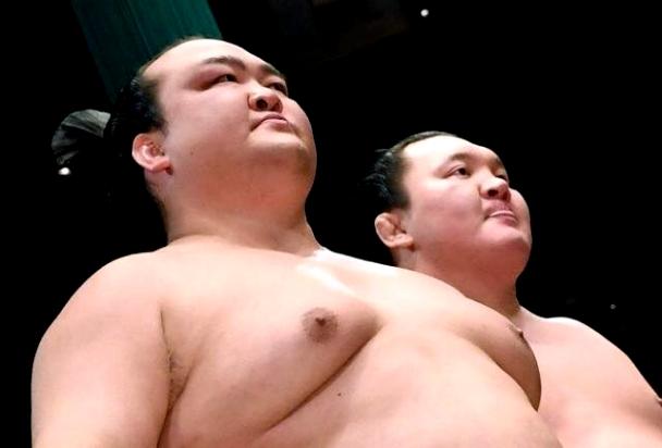 Видео: Ёкозүна Хакүхо, Кисеносато нар дараалан уналаа