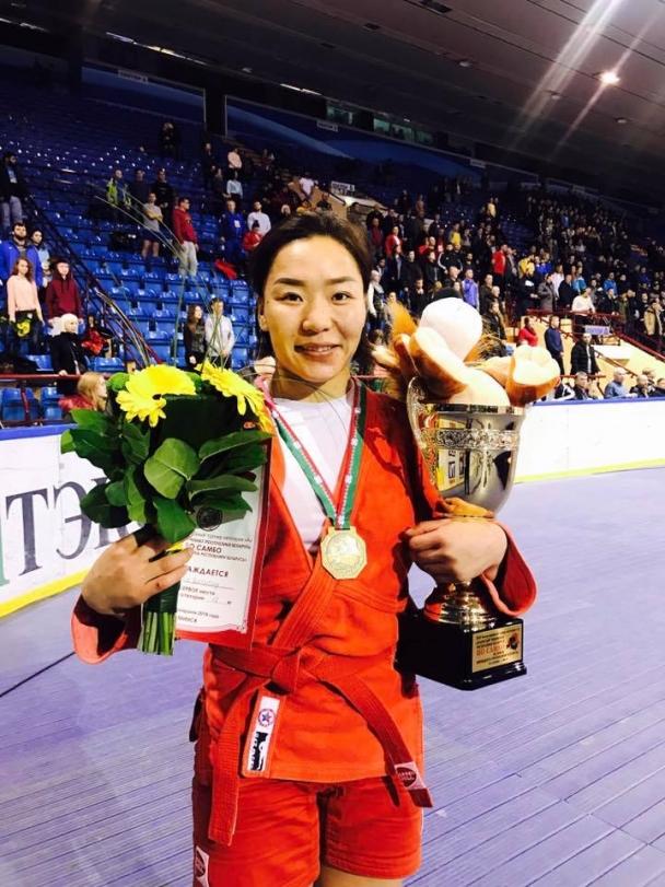Дэлхийн аварга Ц.Батцэцэг алтан медаль хүртлээ