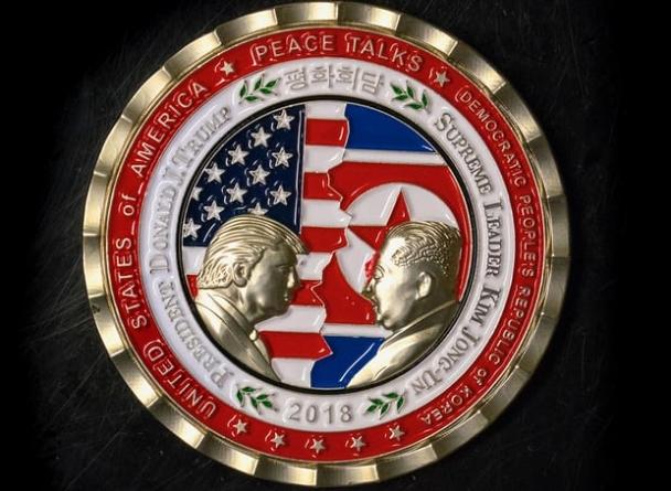 Д.Трамп-Ким Чен Ун нарт зориулсан дурсгалын зоос гарчээ