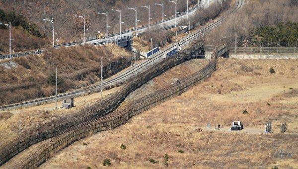 Хоёр Солонгос олон жилийн дараа анх удаа авто замаар холбогдоно