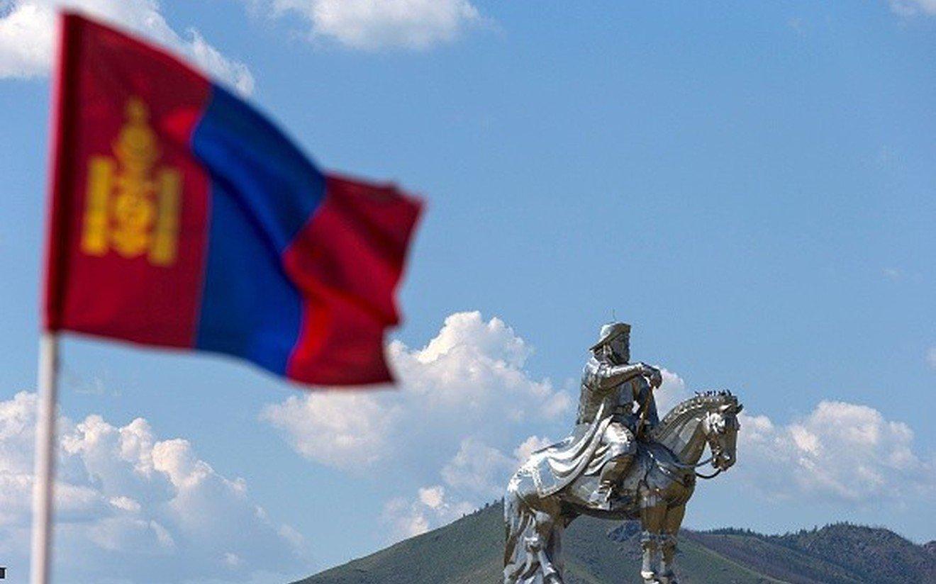 Монголын нийгэмд хардлага дагасан айдас давамгайлж, хүмүүсийн сэтгэлгээ ихэд хайрцаглагджээ