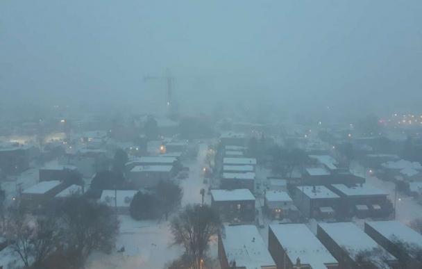 Канадын нийслэл хотод их хэмжээний цас орж эхэлжээ