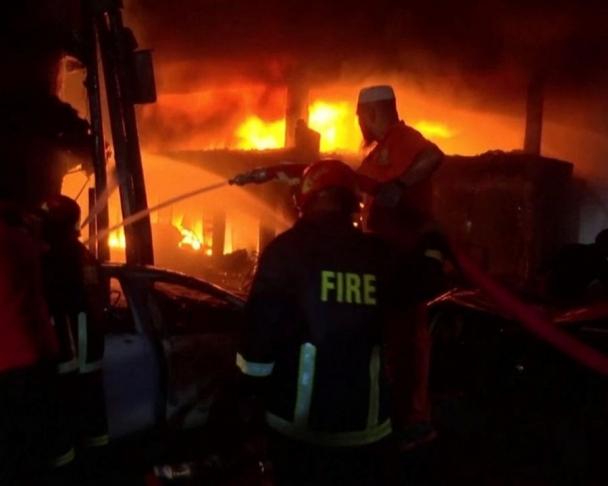 Бангладешт гал түймрийн улмаас олон арван хүн амиа алджээ