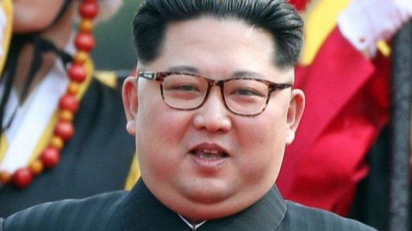 Ким Жөн Ун хуягт галт тэргээрээ Владивостокийг зорьжээ