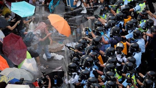 Хонконгийн жагсагчид дахин жагсахаар төлөвлөж байна