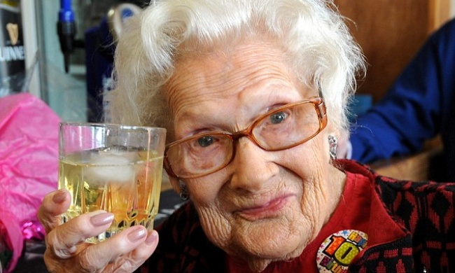 100 настнууд урт насалсан нууцаа дэлгэлээ