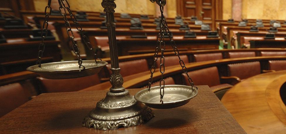Хууль бус үйлдлийг өөгшүүлсэн Зөрчлийн тухай хуулийг эргэж харах цаг иржээ