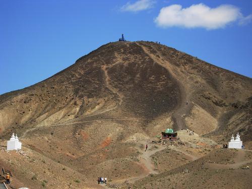 Зотол хан уул ураны лицензээс чөлөөлөгдсөн үү?