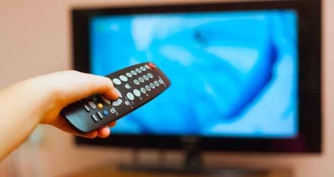 """Оюуны """"талх"""" үйлдвэрлэгч байх ёстой телевизүүд юу сурталчлаад байна даа"""