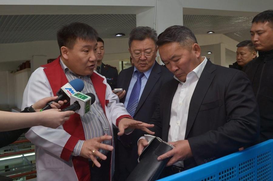 Монгол Улсын Ерөнхийлөгч Х.Баттулга дотоодын гутал үйлдвэрлэгчдийн төлөөлөлтэй уулзлаа