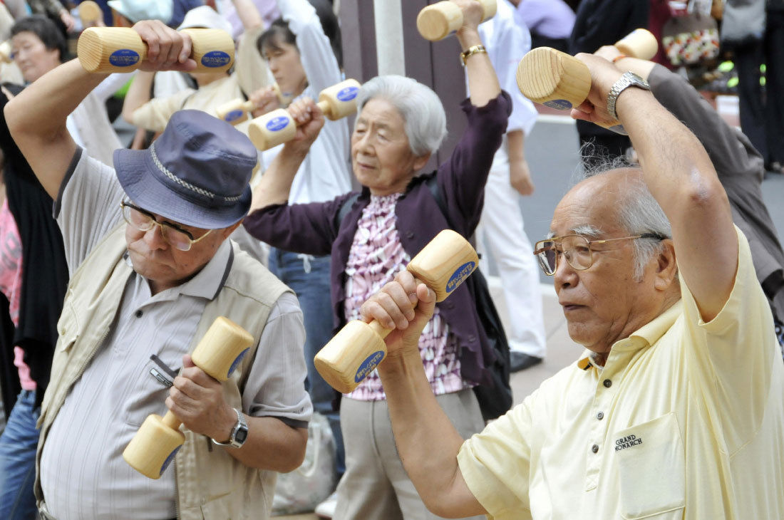 Япон хөгшчүүд шоронд санаатай орох нь нэмэгджээ