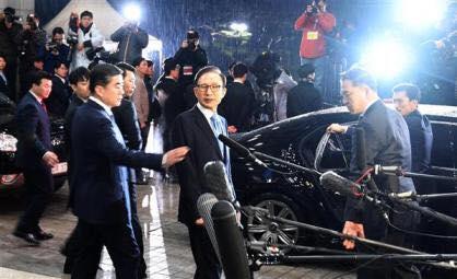 Солонгосын Экс Ерөнхийлөгч Им Ён Бак 10м2 өрөөнд хоригдоно