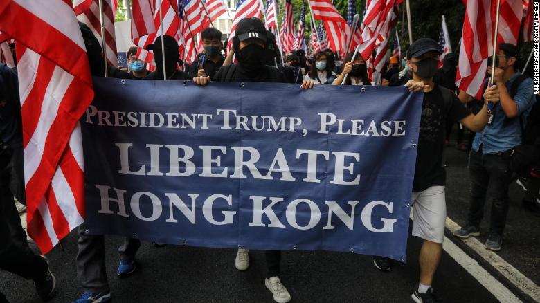 Хонконгийн жагсагчид Д.Трампаас тусламж хүсэв