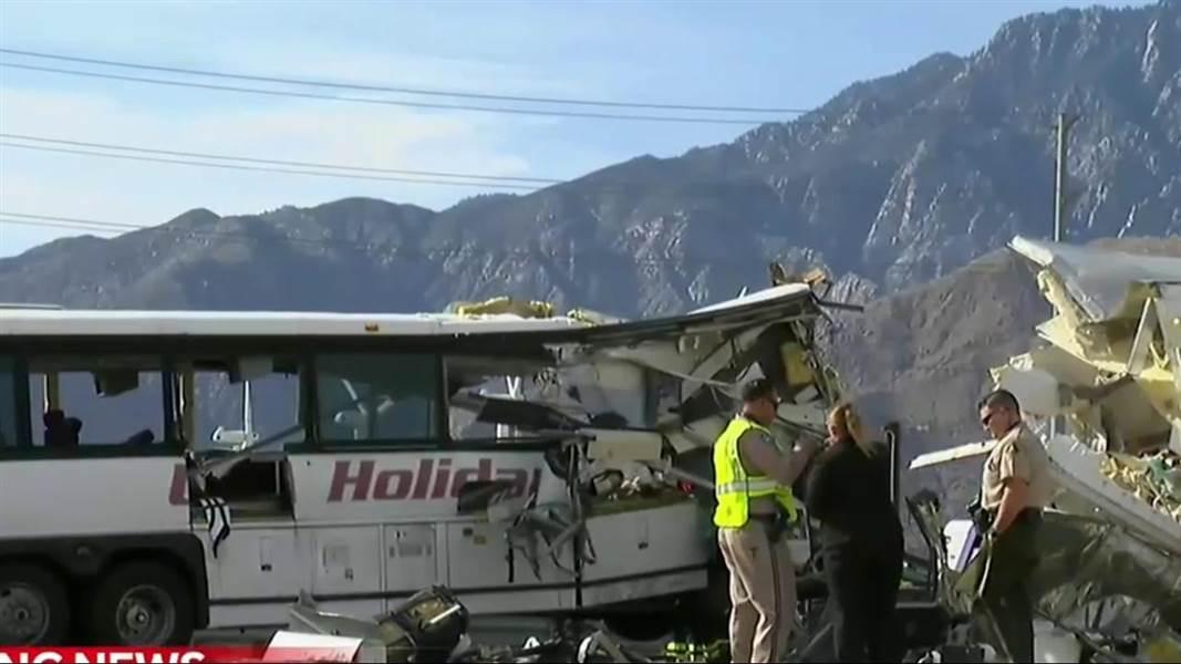 Калифорниа мужид 13 хүний аминд хүрсэн авто осол гарчээ