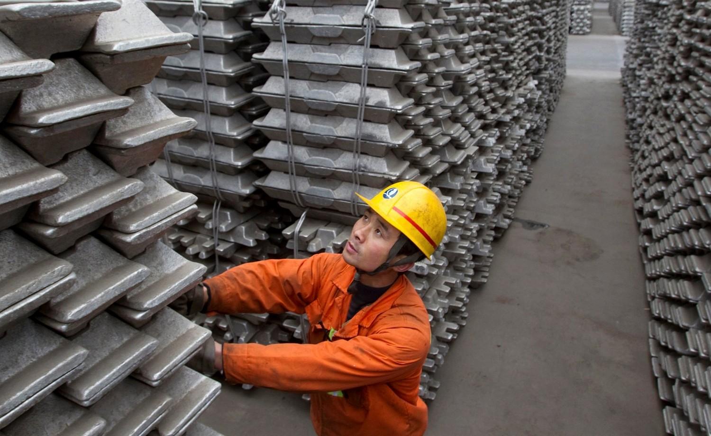 Хөнгөн цагааны үйлдвэрлэлийг доргиож буй цэвэр агаарын төлөөх тэмцэл