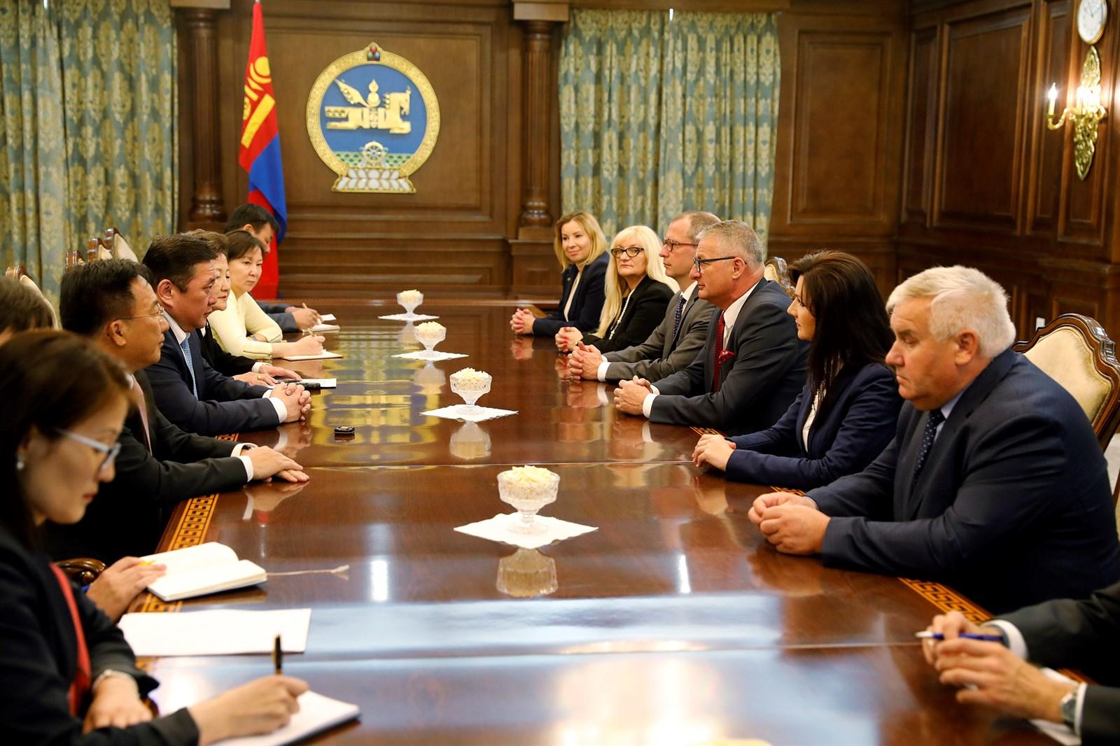 Польшийн Сеймийн төлөөлөгчдийг хүлээн авч уулзлаа