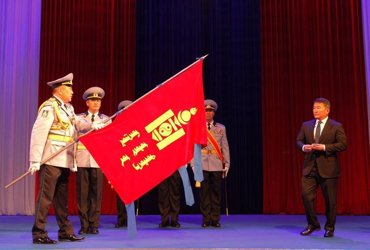 Төрийн тусгай хамгаалалтын газрыг Цэргийн гавьяаны улаан тугийн одонгоор шагналаа