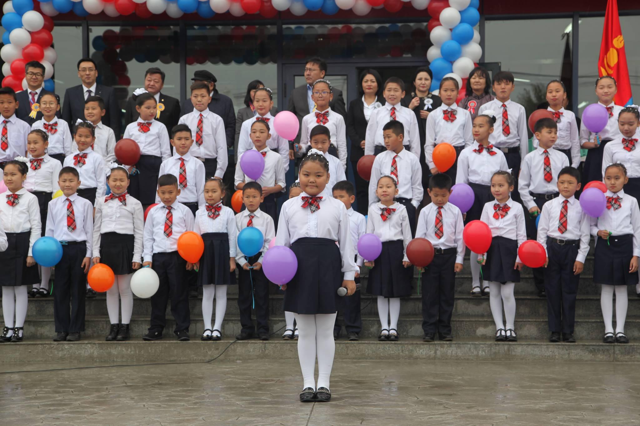 1500 хүүхдийн хүчин чадалтай анхны сургууль нээлтээ хийлээ