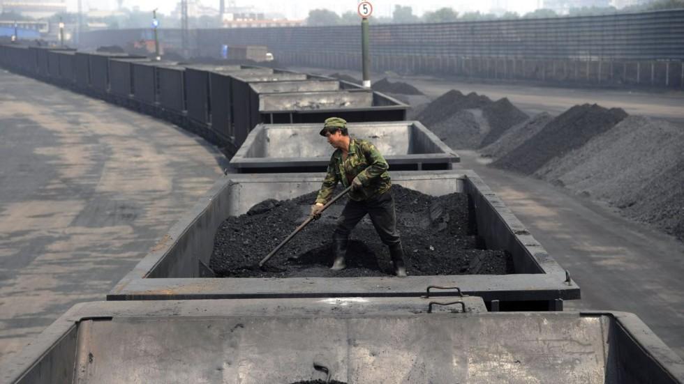"""""""China Shenhua Energy""""-ийн нүүрсний борлуулалт 9.6 хувиар өсөж, 39.9 тоннд хүрэв"""