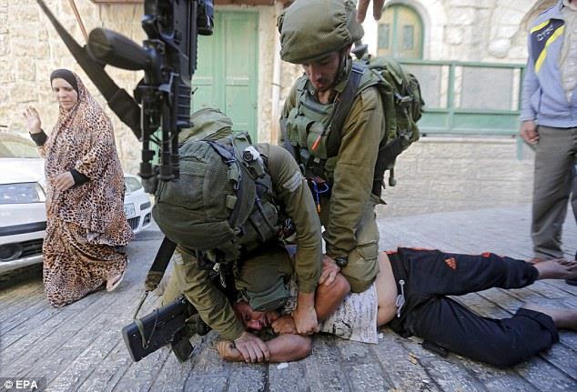 Палестин хүү халдлага үйлдэхийг санаархав