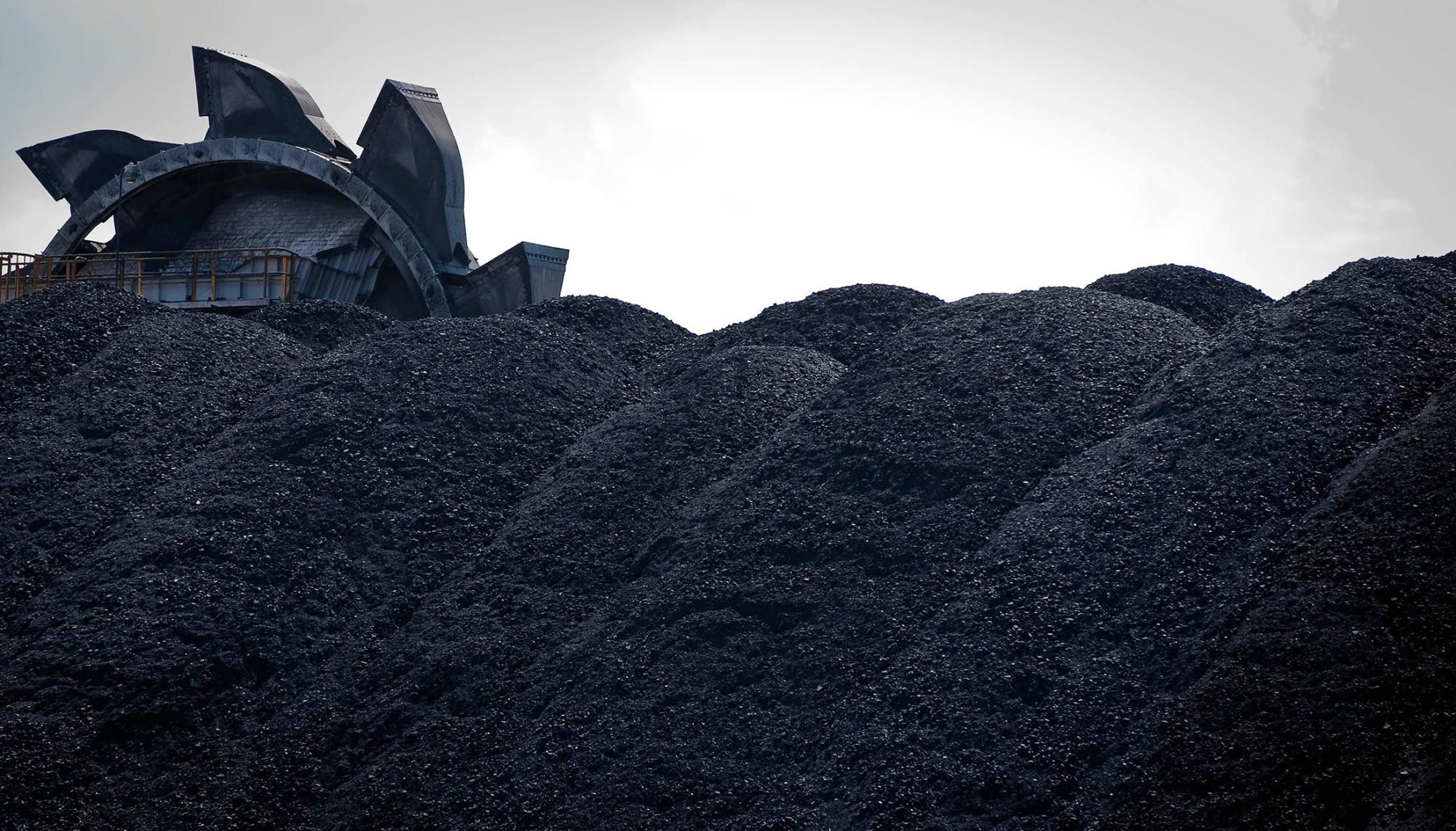 БНХАУ-ын шийдвэрийн улмаас Австралид дулааны нүүрсний ханш огцом уналаа