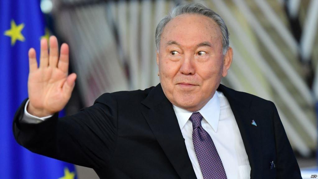 Назарбаев Ерөнхийлөгчийн албан тушаалаасаа БУУЛАА