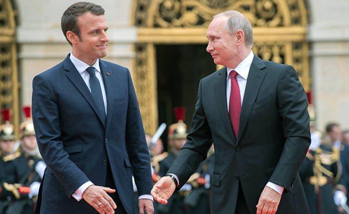 Макрон Путинийг ухаалаг улс төрч гэжээ