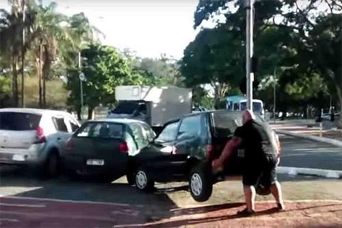 Дугуйчин эр машин өргөжээ (видео)