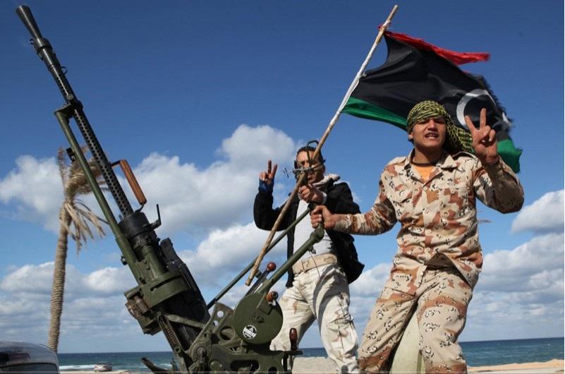 Ливийн цэргүүд Мисрата хотын чиглэлд давшиж байна
