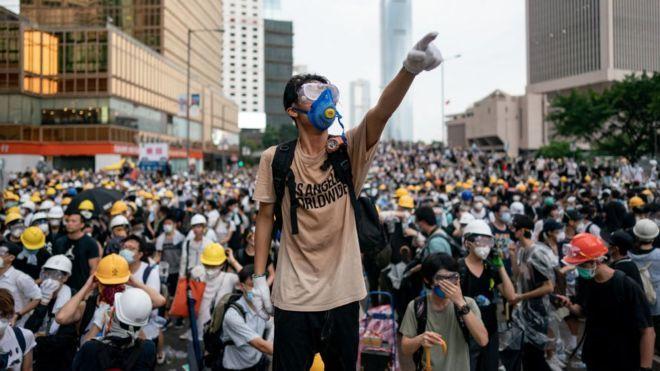 """БНХАУ: """"Хонгконгийн бослогод барууны орнуудыг буруутгалаа"""
