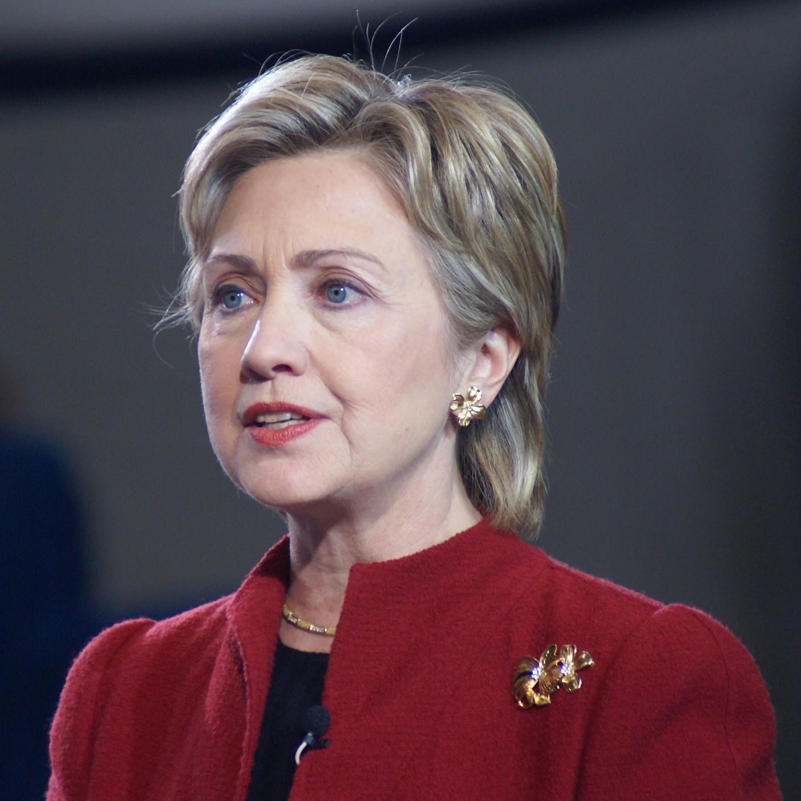 Хиллари Клинтон нэр дэвшихээр болжээ