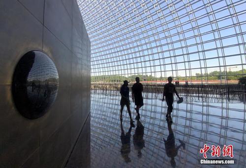 Хятадын үндэсний урлагийн их театрыг олон нийтэд нээлттэй боллоо