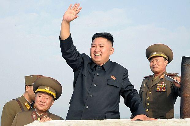 Ким Чен Ун цэрэггүй бүсэд нууцаар айлчилжээ