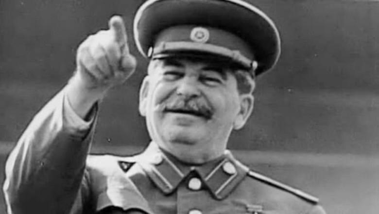 Оросуудын дунд Сталиний нэр хүнд огцом өсжээ