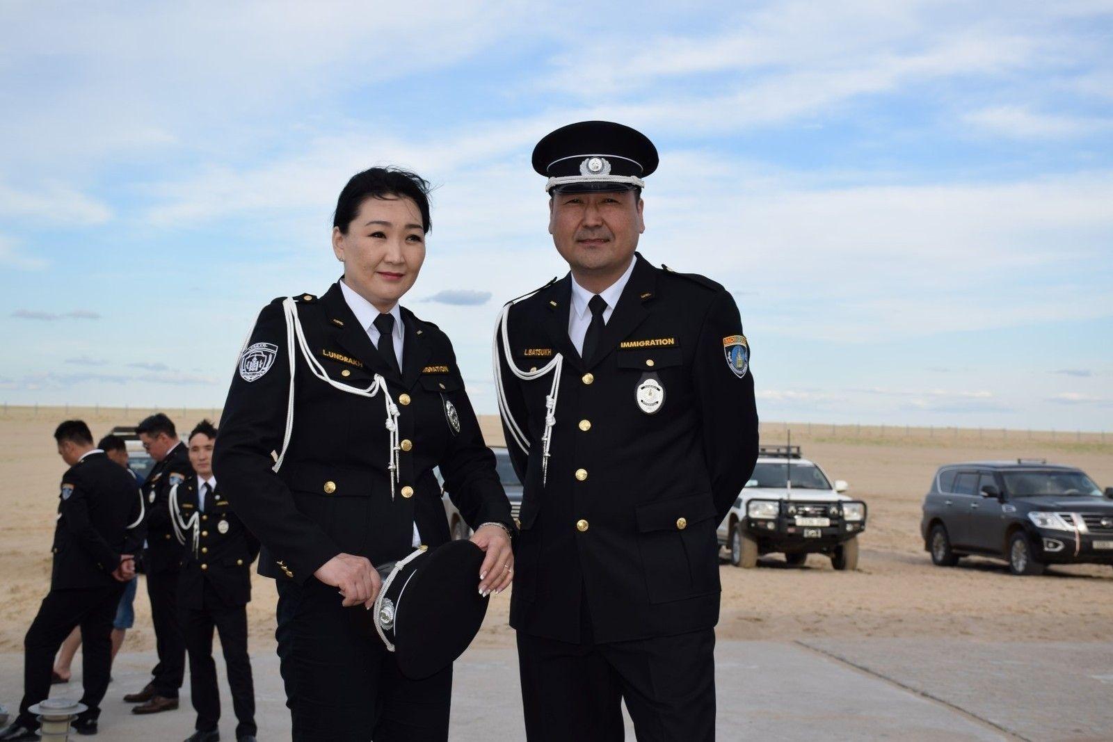 Дорнод аймаг дахь Баянхошуу боомтоор өдөрт Монгол, Хятадын 60-80 иргэн зорчдог байна