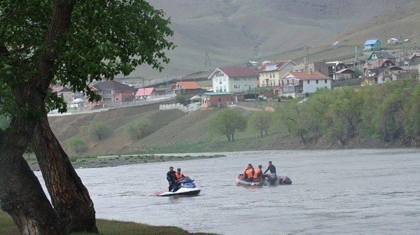 Харганатын голд хоёр хүүхэд живж, нас баржээ