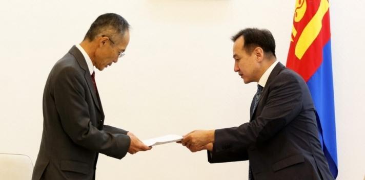 Монгол Улс Японд зуун мянган ам.долларын тусламж үзүүллээ