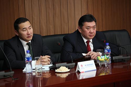 Монгол Ардын нам засагт орох асуудлаар санал солилцлоо