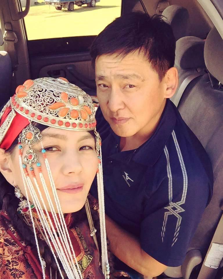 Жүжигчин Анхням: Нөхрийн маань гэрийнхэн надад найдаад хүүгээ өгчихсөн байдаг