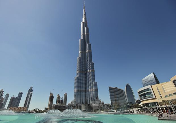 Дэлхийн хамгийн гайхамшигт барилга Бурж Халифа...