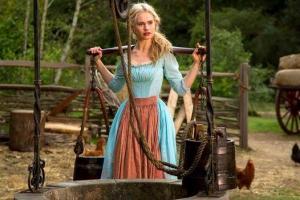 """""""Cinderella"""" АНУ-ын Box Office-ийг шууд тэргүүллээ"""