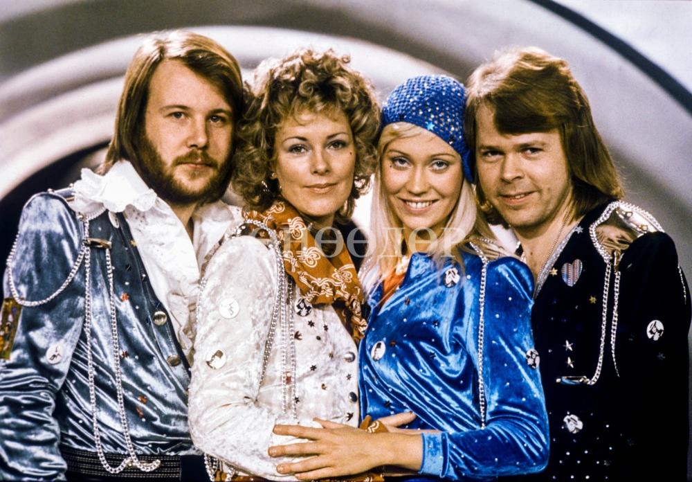 ABBA эргэж ирлээ