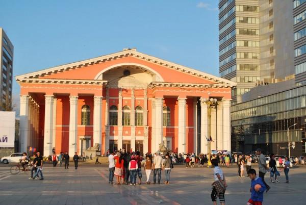 Дуурь бүжгийн театрын барилга ба нэгэн мартагдсан түүх