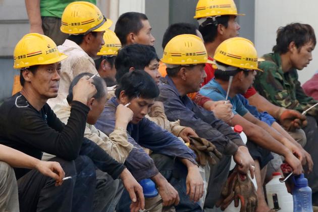 Энэ онд Хятад улс 100 мянган хүнээ гадаадад ажиллуулахаар илгээжээ