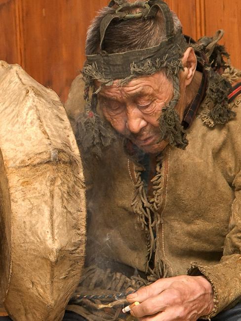Монголд газар хөдөлж гамшиг болно гэсэн бөөгийн үгэнд итгэх үү......