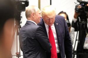Трампын нэр төрийг сэвтүүлэх зүйл Орост бий юу?