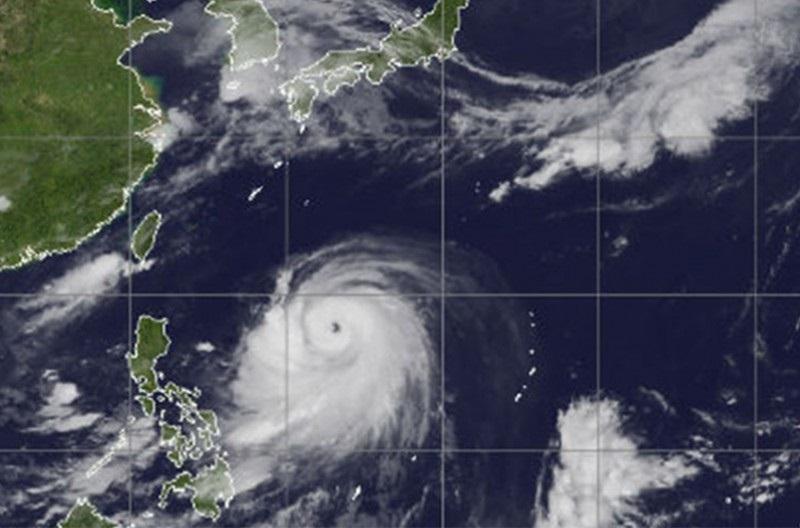Японд хар салхинаас болж 100 гаруй нислэгийг хойшлуулжээ
